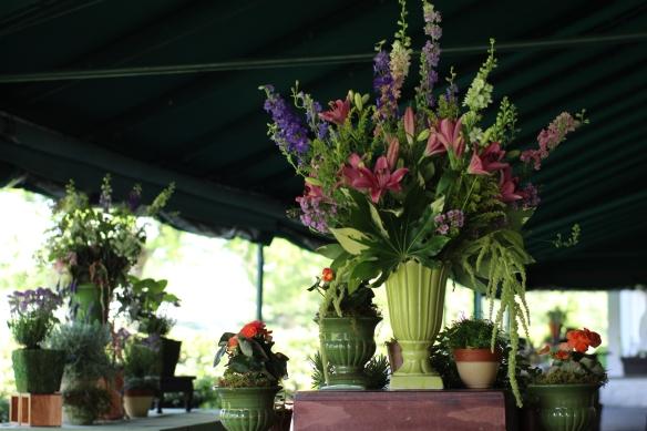 Spring arrangement using larkspurs